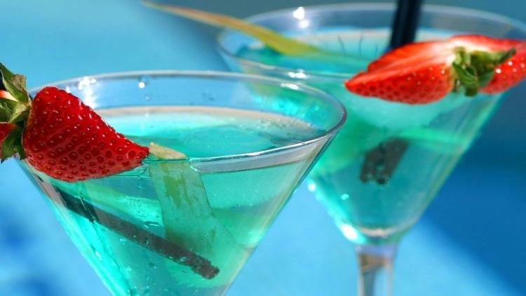 Происхождение знаменитых алкогольных коктейлей